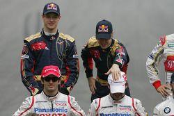 Sebastian Vettel, Scuderia Toro Rosso con Timo Glock, Toyota F1 Team
