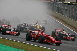 Start: Kimi Raikkonen, Scuderia Ferrari, Heikki Kovalainen, McLaren Mercedes, Lewis Hamilton, McLare