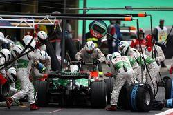 Arrêt aux stands pour Jenson Button, Honda Racing F1 Team