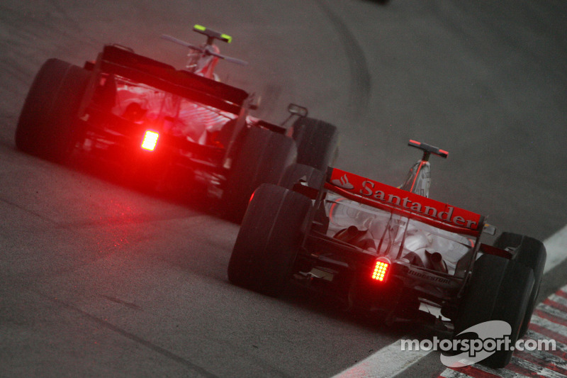Vettel echa leña al fuego