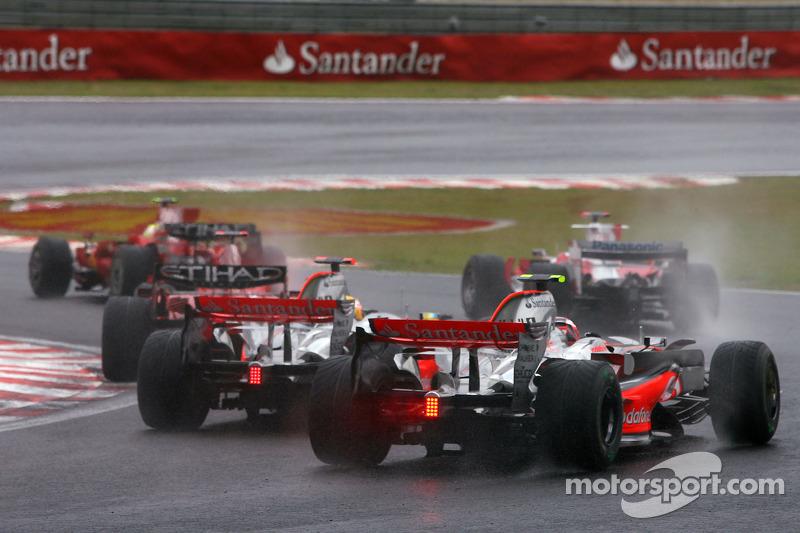 Arrancada: Lewis Hamilton, McLaren Mercedes, Heikki Kovalainen, McLaren Mercedes