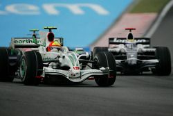 Rubens Barrichello, Honda Racing F1 Team, RA108 e Nico Rosberg, WilliamsF1 Team, FW30