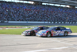 Mike Wallace et Marcos Ambrose