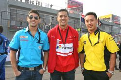 Armaan Ebrahim, driver of A1 Team India with Zahir Ali, driver of A1 Team Indonesia and Aaron Lim, d