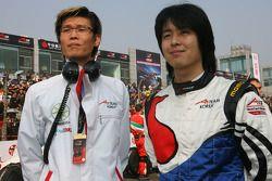 Jung Yong Kim et Jin Woo Hwang, coureurs de l'éqipe A1 de Corée