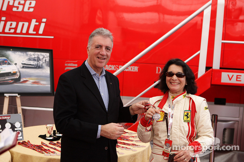 Sunday: Piero Ferrari ve Julia De Baldanza