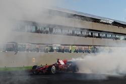 Kimi Raikkonen does a burnout