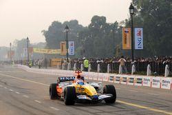 Nelson A. Piquet dans la Renault F1 R28
