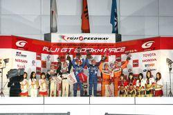GT500 podium: class and overall winners Tsugio Matsuda and Sébastien Philippe, second place Yuji Tac