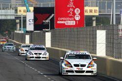 Jorg Muller, BMW Team Germany, BMW 320si, Andy Priaulx, BMW Team UK, BMW 320si WTCC