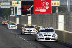 Andy Priaulx, BMW Team UK, BMW 320si WTCC, Felix Porteiro, BMW Team Italy-Spain, BMW 320si