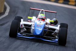 Oliver Turvey, Carlin Motorsport, Dallara F308, Mercedes-HWA