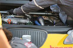 Riparazioni sulla Seat di Rickard Rydell, SEAT Sport, SEAT Leon TDI