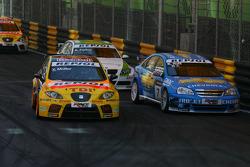 Yvan Muller, SEAT Sport, SEAT Leon TDI, Robert Huff, Chevrolet, Chevrolet Lacetti, Augusto Farfus, B