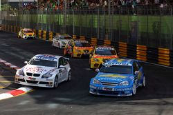 Andy Priaulx, BMW Team UK, BMW 320si WTCC e Robert Huff, Chevrolet, Chevrolet Lacetti