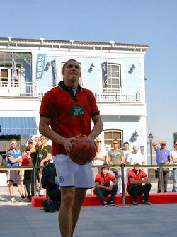 Session de basket-ball: Edoardo Mortara aussi