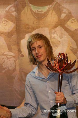 Brendon Hartley reçoit son prix