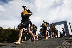 Launceston, Australia: Team RBS leave start
