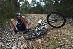 Launceston, Australia: Mark Webber takes a fall