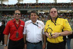 Tony Teixeira, A1GP Chairman et Jack Cunningham, Pilote titulaire de l'équipe de Malaisie
