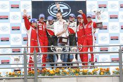 GT2 podium: class winners Matias Russo et Luis Perez Companc, 2ème place Toni Vilander et Gianmaria Bruni, 3ème place Thomas Biagi et Christian Montanari