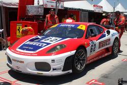 #62 Scuderia Ecosse Ferrari F430: Fabio Babini, Jamie Davies dans les puits