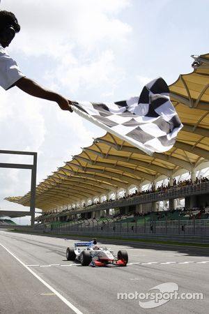Neel Jani takes the checkered flag