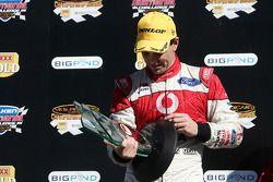 Craig Lowndes finit 3ème pour le weekend