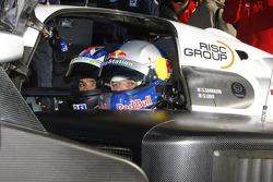 Stéphane Sarrazin et Sébastien Loeb dans la Peugeot Sport Total Peugeot 909