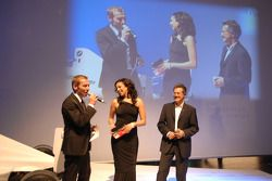 Moderator Markus Othmer talks with Moderator Khadra Sufi and Dr Mario Theissen