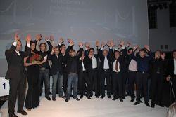 les pilote de l'équipe BMW avec les lauréats