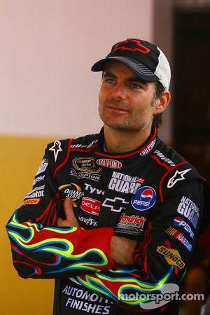 Vitantonio Liuzzi, pilote de test, pilote de l'équipe Force India et Jeff Gordon, pilote de NASCAR