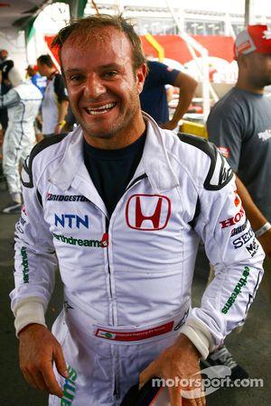 Rubens Barrichello célèbre sa victoire
