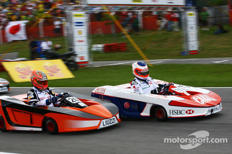 Rubens Barrichello, Honda Racing F1 Team and Vitantonio Liuzzi, Test Driver, Force India F1 Team