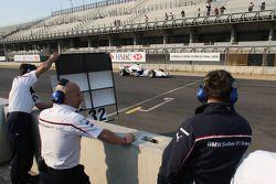 Le tenant du titre Philipp Eng sur sa Formula One avec l'équipe BMW Sauber F1 Team