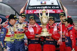 Podio: Sébastien Loeb y Daniel Elena, Jari-Matti Latvala y Miikka Anttila, Daniel Sordo y Marc Marti