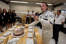 Les 24 ans de Robert Kubica, BMW Sauber F1 Team et Dr. Mario Theissen, BMW Sauber F1 Team, BMW Motor