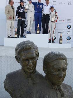 Podium: le vainqueur du World Final Alexander Rossi, le deuxième Michael Christensen, et le troisième Esteban Gutierrez avec Dr. Mario Theissen et Robert Kubica