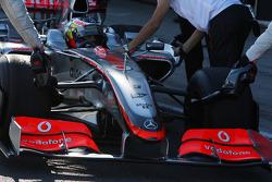 Pedro de la Rosa, Test Driver, McLaren Mercedes, running an interim 2009 front wing