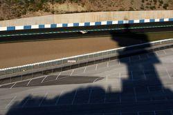 La tour Tio Pepe fait de l'ombre sur Fernando Alonso, Renault F1 Team