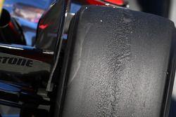 Des pneus Rear Bridgestone sur une McLaren Mercedes