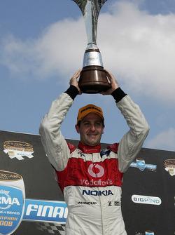 Jamie Whincup est le champion 2008 de V8 Supercar