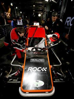 Michael Schumacher se sube a un RX150 Buggy