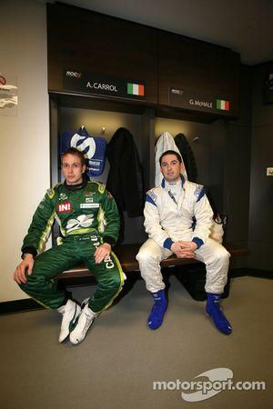 Adam Carroll et Gareth McHale au briefing des pilotes