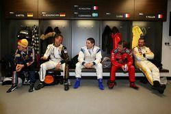 Sebastian Vettel, Michael Schumacher, Gareth McHale, Sébastien Loeb et Yvan Muller au briefing des pilotes