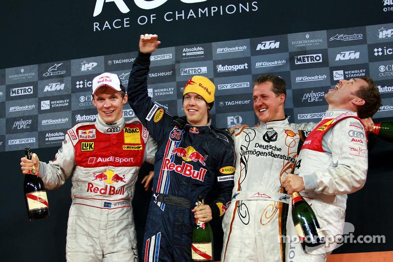 Podio: Michael Schumacher y Sebastian Vettel (Equipo de Alemania) celebran, ROC 2008