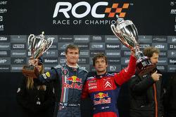 Podio: ganador de la Carrera de Campeones Sébastien Loeb celebra con segundo lugar David Coulthard