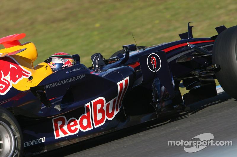f1-jerez-december-testing-2008-brendon-hartley-test-driver-red-bull-racing.jpg