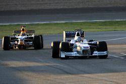 Nick Heidfeld, BMW Sauber F1 Team, Brendon Hartley, pilote d'essai Red Bull Racing
