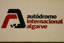 Autodromo di Portimao, insegna